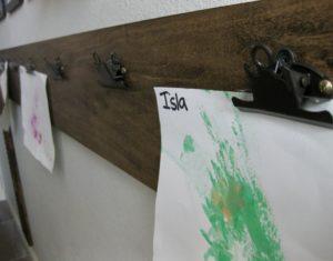 clips on DIY art holder