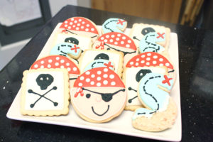 pirate cookies for a pirate party
