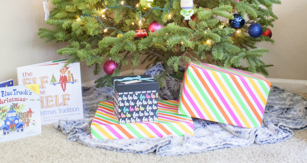 DIY No Sew Faux Fur Tree Skirt | www.okayestmoms.com