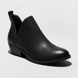 Universal Threads boots Black Friday