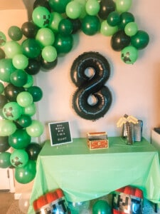 minecraft balloon garland for party